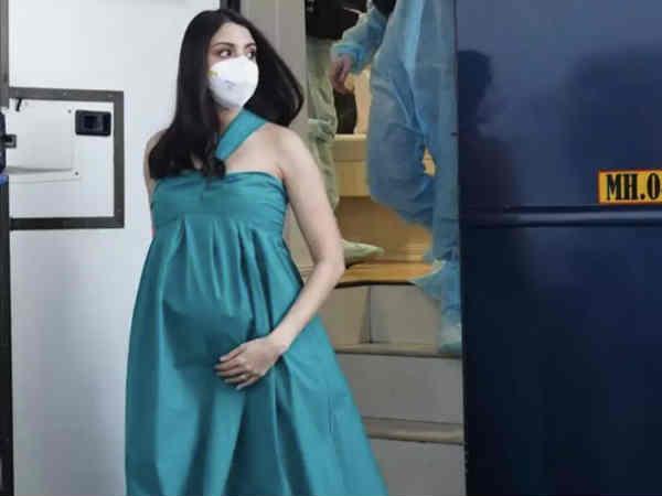 बड़े से बेबी बंप के साथ सेट पर लौटीं अनुष्का शर्मा, शेयर की तस्वीरें