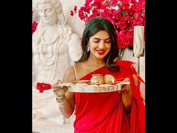 प्रियंका चोपड़ा ने अमेरिका में मनाया करवाचौथ, निक जोनस के साथ शेयर की रोमांटिक तस्वीरें