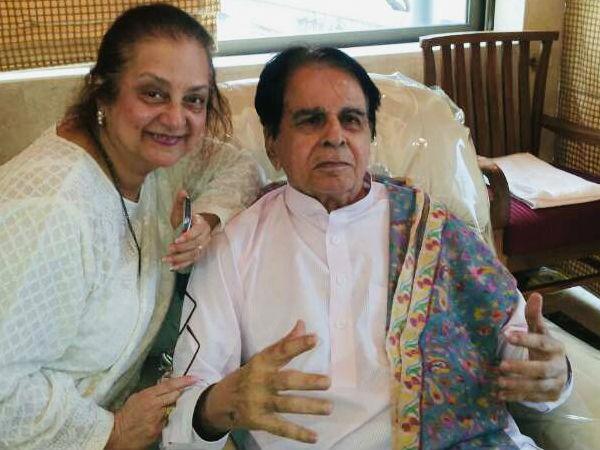दिलीप कुमार ने शेयर की सायरा बानो के साथ स्पेशल तस्वीर, एवरग्रीन जोड़ी पर बरसा फैंस का प्यार