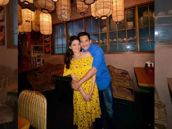 आदित्य नारायण ने किया शादी का ऑफिशियल ऐलान, श्वेता अग्रवाल के साथ शेयर की First Photo
