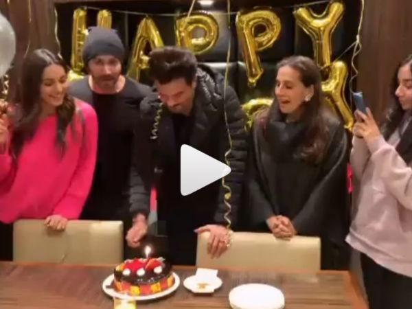 Birthday- अनिल कपूर ने 'जुग जुग जियो' के सेट पर काटा केक, धड़ल्ले से वायरल हुआ वीडियो