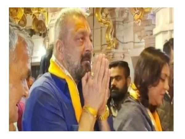 कैंसर से लड़ने के बाद सांवलिया दरबार पहुंचे सजंय दत्त, 15 मिनट तक बंद मंदिर के सामने सिर झुकाकर बैठे
