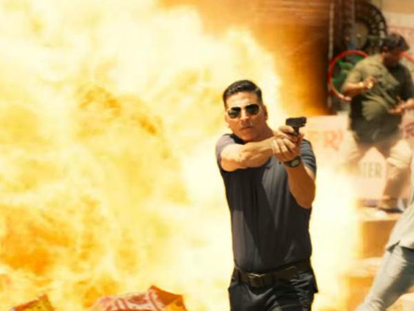 अक्षय कुमार की सूर्यवंशी की रिलीज को लेकर मेकर्स लेंगे इतना बड़ा फैसला? नई सुगबुगाहट तेज Akshay Kumar's Sooryavanshi is likely to be Simultaneous on both OTT and theater release