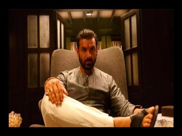 सिनेमाघर खुलते ही जॉन अब्राहम के खतरनाक एक्शन का तूफान, 3 बड़े सुपरस्टार्स के साथ कांटे की टक्कर