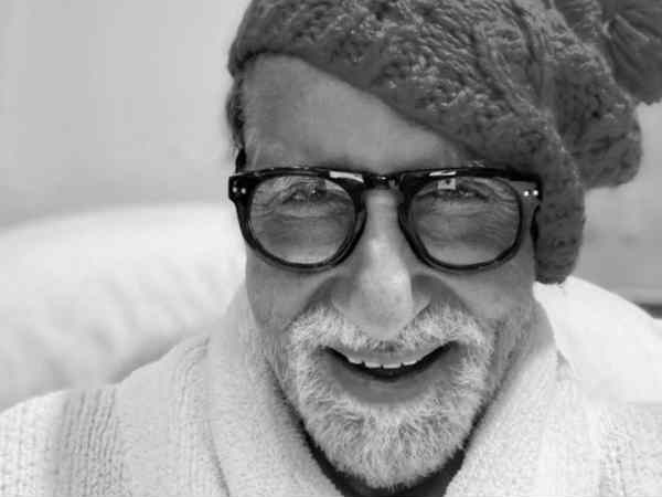 अमिताभ बच्चन ने इंडस्ट्री में पूरे किए 52 साल, इस मौके पर किया ये पोस्ट!