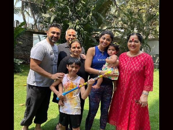 शिल्पा शेट्टी के घर फूटा कोरोना बम, अभिनेत्री को छोड़कर पूरा परिवार है संक्रमित!