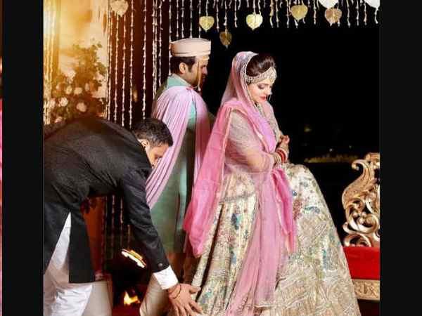 शादी के 9 दिन कॉमेडियन सुगंधा मिश्रा - संकेत भोसले पर FIR, कोरोना नियमों की उड़ाई धज्जियां