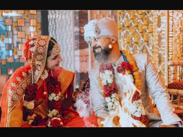 एक्ट्रेस अंगिरा धर ने डायरेक्टर आनंद तिवारी से की शादी