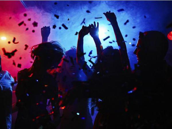 नासिक में रेव पार्टी पर छापा- बॉलीवुड कलाकार, एक्स बिग बॉस कंटेस्टेंट समेत 22 लोग गिरफ्तार