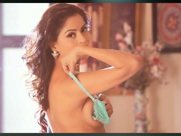 गंदी बात एक्ट्रेस गहना वशिष्ठ की हालत गंभीर, हार्ट अटैक के बाद अस्पताल में  हुईं भर्ती | Gandi baat actress gehana vasisth condition critical after  heart attack both lungs fail - Hindi ...