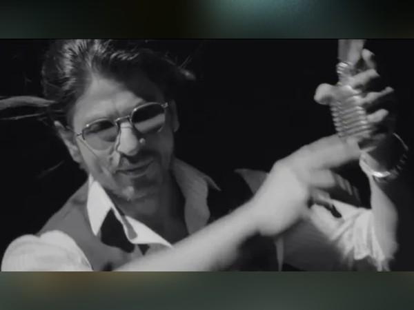 'पठान' से पहले शाहरुख खान का नया प्रोजेक्ट, लंबे बालों वाले लुक में दिखे- शानदार VIDEO