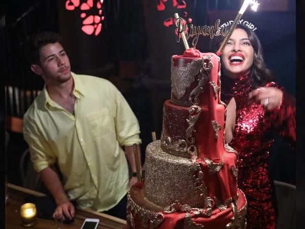 सिर्फ 45 सेकंड में प्रियंका चोपड़ा निक जोनस से शादी के लिए क्यों हो गईं तैयार? फिल्मी लव स्टोरी- Photos