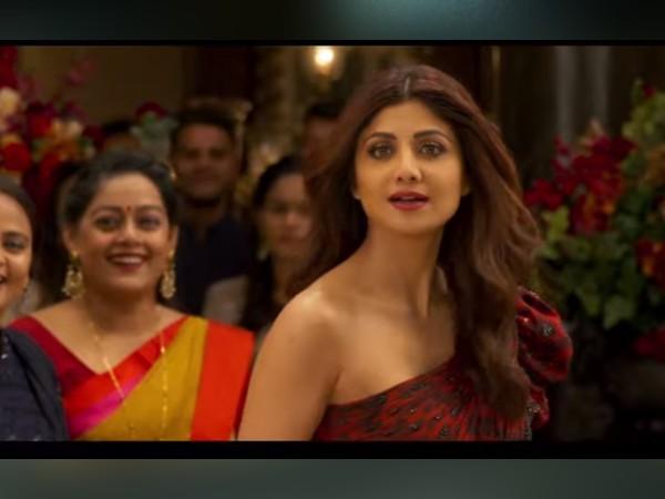 अक्षय कुमार ने लॉन्च किया 'हंगामा 2' का ट्रेलर, कॉमेडी तड़का वीडियो के साथ शिल्पा शेट्टी का ग्लैमरस अंदाज