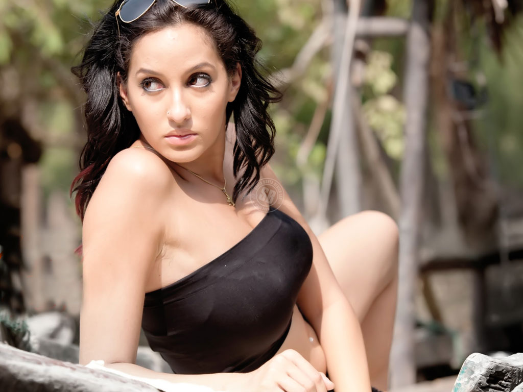 भुज के लिए नोरा फतेही ने ली राइफल और मार्शल आर्ट की ट्रेनिंग, अजय देवगन के साथ करेंगी धमाका!