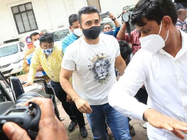 राज कुंद्रा की जमानत खारिज, पोर्नोग्राफी केस में 14 दिनों की न्यायिक हिरासत में भेजा गया