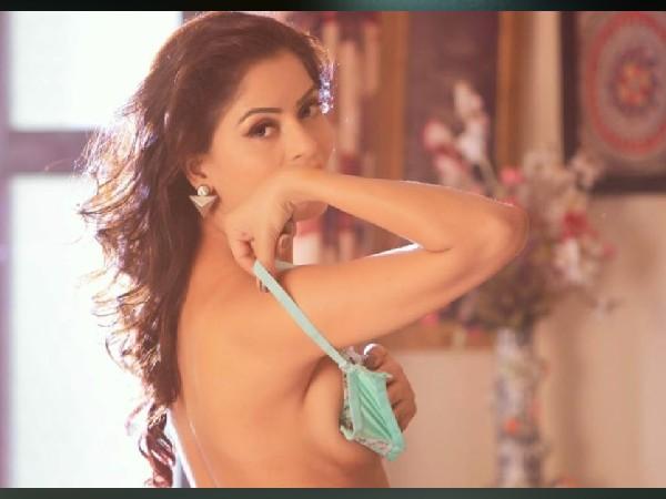 Gandi Baat actress gehna Vashishth defends Raj Kundra's porn film arrest    गंदी बात एक्ट्रेस गहना वशिष्ठ ने किया राज कुंद्रा पॉर्न फिल्म गिरफ्तारी का  विरोध - Hindi Filmibeat