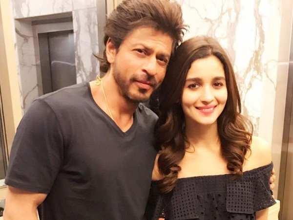 शाहरुख खान ने आलिया भट्ट से मांगा काम, कहा- 'मैं समय पर आउंगा, प्रॉमिस'- एक्ट्रेस ने दिया जवाब