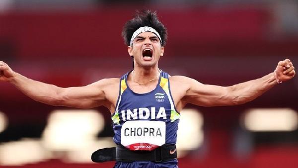 टोक्यो ओलंपिक: जेवलिन थ्रोअर नीरज चोपड़ा ने जीता 'गोल्ड मेडल', अक्षय कुमार से लेकर पूरे बॉलीवुड ने किया सलाम