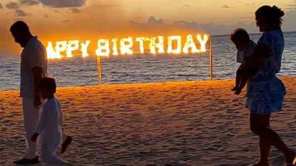 करीना कपूर खान ने मालदीव्स से शेयर की जेह - तैमूर के साथ जन्मदिन की तस्वीर, किया है एक वादा