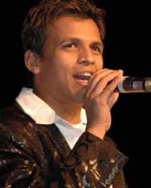 http://hindi.filmibeat.com/img/2008/10/abhijeet-sawant201_17102008.jpg