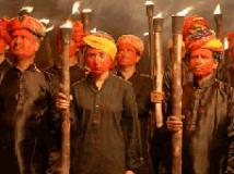 https://hindi.filmibeat.com/img/2009/03/10-gulaal200.jpg