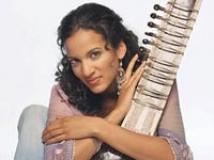 https://hindi.filmibeat.com/img/2009/03/14-anoushka-shankar201.jpg