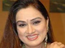 http://hindi.filmibeat.com/img/2009/04/21-padmini-kolhapure200.jpg