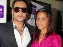 http://hindi.filmibeat.com/img/2009/05/29-adhyayan-shahana200.jpg