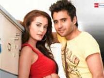 http://hindi.filmibeat.com/img/2009/06/13-kal-kissne-dekha200.jpg