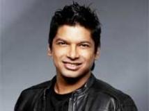 https://hindi.filmibeat.com/img/2009/09/22-shaan201.jpg