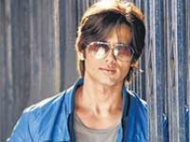 https://hindi.filmibeat.com/img/2009/10/09-shahid-kapoor200.jpg