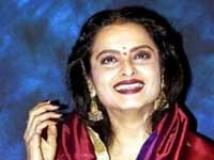 https://hindi.filmibeat.com/img/2009/10/10-rekha200.jpg