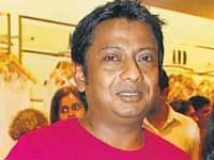http://hindi.filmibeat.com/img/2009/12/05-onir200.jpg