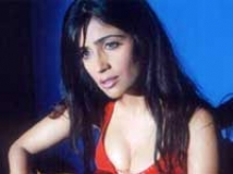 https://hindi.filmibeat.com/img/2010/04/12-shibani-kashyap200.jpg