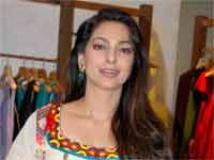 http://hindi.filmibeat.com/img/2010/06/21-juhichawla200.jpg