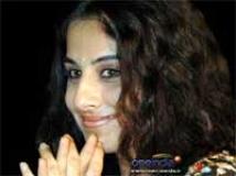 https://hindi.filmibeat.com/img/2010/08/31-vidya-balan201.jpg