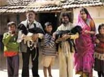 https://hindi.filmibeat.com/img/2010/09/25-peepli-live200.jpg