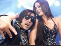 https://hindi.filmibeat.com/img/2010/10/30-action-replay-201.jpg