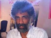 https://hindi.filmibeat.com/img/2010/11/18-makrand-deshpande-201.jpg