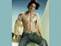 https://hindi.filmibeat.com/img/2011/02/16-shahrukh-khan-dare-de-disco-200.jpg
