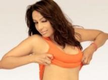 https://hindi.filmibeat.com/img/2011/03/22-kashmira-shah-200.jpg
