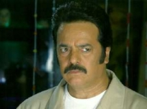 http://hindi.filmibeat.com/img/2011/04/29-akbar-khan-300.jpg