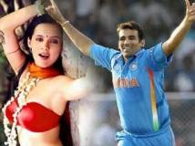 https://hindi.filmibeat.com/img/2011/05/03-isha-sharvani-zaheer-khan-300.jpg