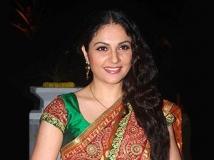 https://hindi.filmibeat.com/img/2011/06/28-gracy-singh-300.jpg