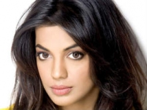 http://hindi.filmibeat.com/img/2011/08/09-mughda-godse-302.jpg