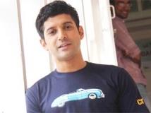 http://hindi.filmibeat.com/img/2011/09/03-farhan-akhtar-303.jpg