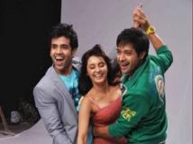 https://hindi.filmibeat.com/img/2011/09/28-hum-tum-shabana.jpg