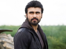 https://hindi.filmibeat.com/img/2011/10/07-arya-babbar-301.jpg