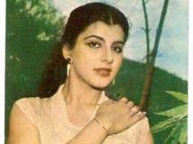 http://hindi.filmibeat.com/img/2011/12/01-anita-raj-300.jpg