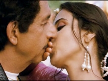 http://hindi.filmibeat.com/img/2011/12/02-dirty-picture-304.jpg